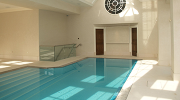 A concealed air return on this highgate pool showed some imaginitive pool design