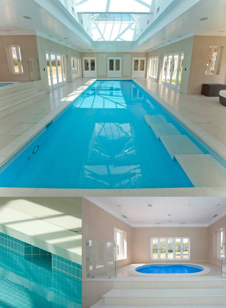 Freeboard pool with spa and roof light